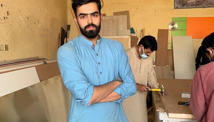 pakistani carpenter 173527c1ce2 large