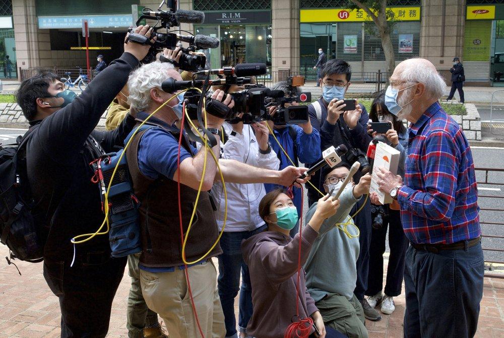 hong kong detains 47 activists