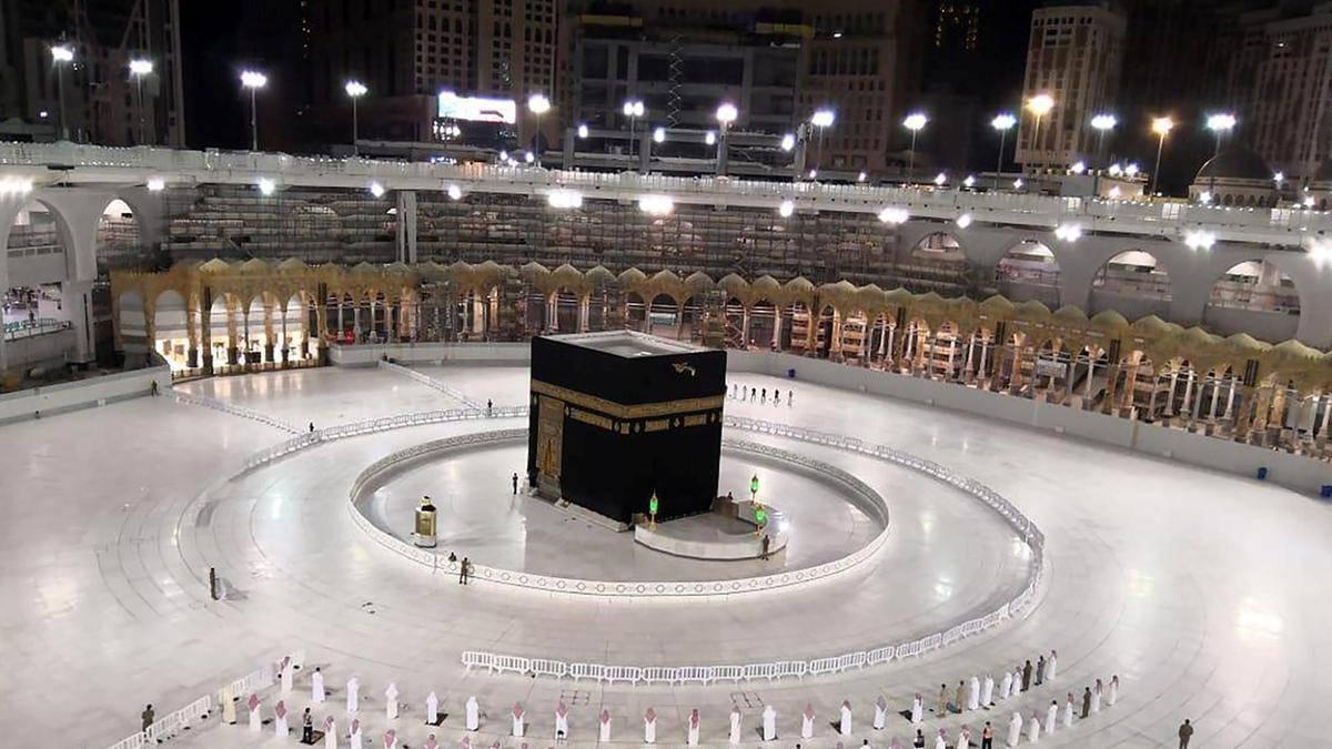 saudi arabia replaces haj minister
