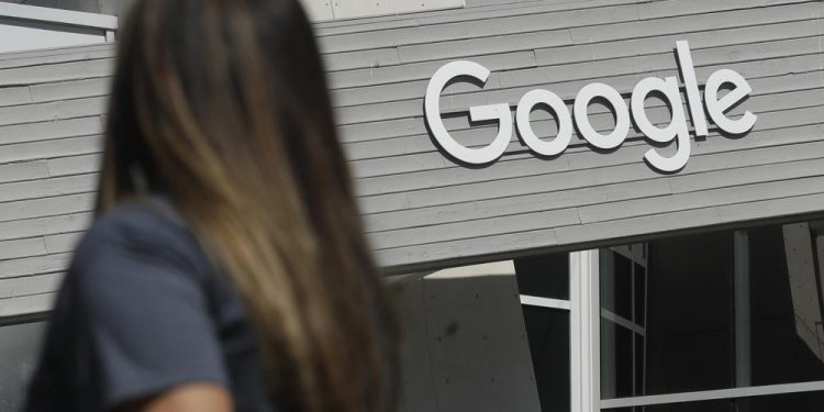 google cracks down on climate change denial by targeting ads